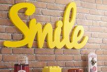Jaune | Yellow / Toute la décoration en #jaune : chaises & tabourets, meubles, armoires, objets déco, table, commode, peinture & tapisseries, étagères & bibliothèques, lampadaire & lampes, murs & carrelage...