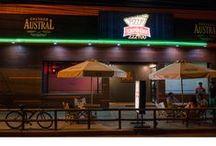 Remodelación / Pub Pizza Express / Revestimiento, líneas y colores, son los elementos principales que otorgan Atmósfera a este pub.
