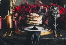 Moody, dark and dramatic wedding inspiration / Dark and moody wedding ideas with dramatic style. Rich  colours and heavy textures, perfect for Autumn and Winter weddings.
