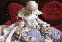 Dolls - Poupées / Je les adore. / by Georgia VB