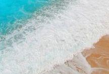Deniz Kum Güneş / Denizkızı kostümlerinin tadını çıkarabileceğiniz, gerçek bir denizkızı gibi yüzme deneyimini yaşayabileceğiniz ünlü denizler; Türkiye ve Dünya'dan tatil önerileri!