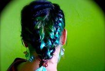 Cabellos [hairstyles] / hairtyles hairdo updo for woman girl women braid braided curls kulrz straight wave long short mohawk  half up half down blonde ombre coloured multi-tonal brunette  / by gavadiar .