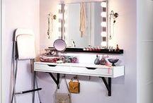 Peinadoras [makeup vanity] / by gavadiar .