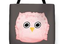 Real diaper art tote bags / Tote bags with real diaper art motifs. Promoting cloth diapers by art.