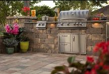 Outdoor Kitchen / Transform your outdoor living spaces with pavers from Tremron. For new projects or remodeling, nothing transforms an environment like the Tremron Group Hardscape Collection. Our hardscape products combine quality craftsmanship with exquisite design. Your commercial or residential project will emerge with beauty, durability and style.