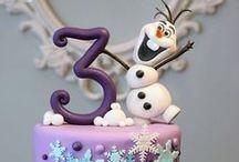 Anniversaire La reine des neiges / Frozen party / Idées pour organiser un magnifique anniversaire reine des neiges: inspiration déco, kit papier deco à imprimer, recettes, jeux...de quoi faire une journée mémorable!