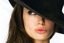 Angelina Jolie / Una mujer muy guapa y con una gran personalidad - www.azur-arte.com