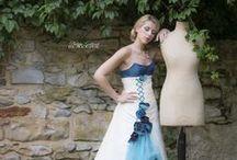 Robe de mariée Pétrole Turquoise (robe de mariée bleue et ivoire) / Découvrez la robe Pétrole Turquoise, ce qui m'a inspiré pour cette robe, ainsi que des idées pour assortir vos accessoires, votre maquillage ou votre déco de mariage  - -  -  -  -  #robedemarieebleue #robebleue #robetransformable #robeevolutive