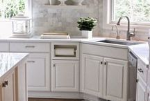 Kitchens and Entry Way / Kitchen ideas, benches, lights backsplash, chairs to decorate the open floor plan.