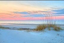 destination: hilton head, south carolina / Between fresh local seafood delicacies and dazzling sunsets, Hilton Head Island is the perfect getaway for both families and couples. Imagine yourself breathing in the salty fragrant breezes while digging your toes into silky white sand. Here at Sonesta Resort Hilton Head Island, we are ready to help you relax and unwind in this breathtaking destination.  / by Sonesta Hotels