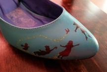 DIY painted shoes / Lovely painted shoes. <3