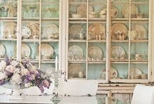 Shabby Chic / Gorgeous vintage looking furniture