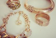 Accessorize! / Collection of jewelry and accesories i like. / by Audri Shelton