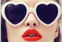As meninas do Leblon não olham mais pra mim, eu uso óculos! / Glasses / by Alline da Costa