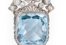 Art Nouveau Juwelen / by Mieke Löbker
