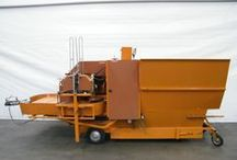 Potting machines / The potting machine offers the right solution for potting potted plants and trees. They are suitable for almost all cultures and substrate types. The potting machine can be combined with conveyor belts, so it is easy to transport potted plants to the right destination.