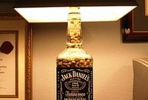 Jack Daniels Bottle Lamp / Bottle lamps that are created with your favorite Jack Daniels bottle. Check out the many different types of fillers used and matching lamp shades. #JackDaniels #bottlecrafts #bottlelamps #diycrafts #liquorlamps / by Jager Foods