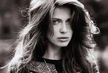 Julita Olszewska / Height: 171 Bust: 80 Waist: 63 Hips: 86 Shoes: 39 Eyes: blue Hair: light brown