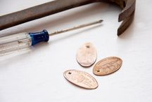 Crafty pressed penny ideas / From bracelets to coffee tables, vases to framed art, here are some creative ideas for your Portsmouth Historic Dockyard pressed pennies