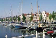 Friesland en Leeuwarden (NL) - GRATIS Puzzeltocht maken | Netherlands | Niederlande | Pays-Bas / Maak eens een gratis toeristische puzzeltocht met de auto langs het traject van de Friese Elfstedentocht óf een historische puzzeltocht te voet in het fraaie oude centrum van Leeuwarden!