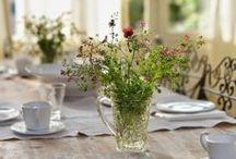 Flores en Casa ✿✿ / Siempre es agradable decorar con flores la mesa.
