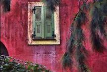 Belle maison en rouge