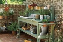 Potting Benches <3 / .