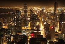 Chicago Nightlife Entertainment Guide / A pictorial guide to leading hot nightlife and entertainment venues / spots in and around Chicago, Illinois and cultural activities as well.