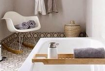 Bathroom | Salle de Bain / Les petits coins