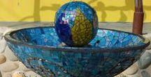 Mosaic Garden Art / Garden decor using mosaic inspired art