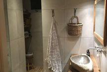 Badkamer / Stoer sober landelijk