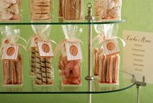COOKIE AND FOOD GIFT WRAPPING AND PACKAGING / by AURY SALINAS