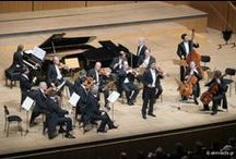 Kammerorchester Wien-Berlin /Jonas Kaufmann / 13 Μαΐου 2014 Ο πιο περιζήτητος τενόρος της εποχής μας, για τρίτη φορά στο Μέγαρο Μουσικής! Με την περίφημη Ορχήστρα Δωματίου Wien-Berlin, στα «Τραγούδια ενός οδοιπόρου» του Gustav Mahler.