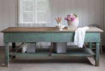 Farmhouse Tables on the move / Just add the family