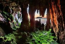 Enchanted Caverns / Magical caves, portal to other worlds.