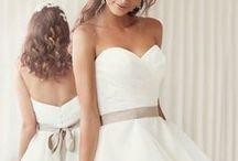 """tela / son lindos vestidos  y que caracteriza un vestido  para hacerlo necesitas """"tela"""""""