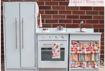DIY Play Kitchens / Inspiration for a child's play kitchen, DIY style