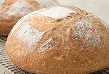 Breaking of the Bread / There is nothing better than homemade bread....especially if it tastes just like a restaurant. O_o