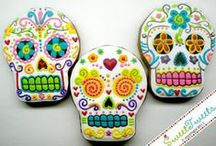 Day of the Dead (Dia de los Muertos) / by Sandy STRAWBERRY