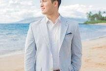 Beach Wedding Attire for Grooms / See handsome grooms wearing great looks of beach wedding attire for grooms. Be inspired by these handsome grooms wedding outfits perfect for beach weddings.