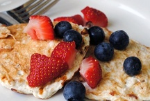 Low-Calorie Breakfasts / Low-Calorie Breakfasts, Low-Calorie Breakfast Recipes, Low-Calorie: refrigerator oatmeal, waffles, pancakes, eggs, omelets, muffins...