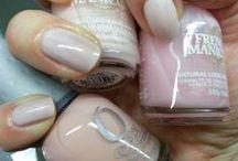 Salon Kosmetyczny - Manicure i Pedicure firma Mała Piękność / Od roku 2006 specjalizuje się w dziedzinie pielęgnacji zdrowych stóp. W ciągu tych lat, nabywam nowych doświadczeń szkoląc się w różnych dziedzinach kosmetyki.  Właśnie dla tego powstał salon Mała Piękność aby być w ciągłym kontakcie z nowościami i nowymi sposobami, czynienia Cię piękniejszą. Zapraszam Serdecznie  http://www.malapieknosc.pl