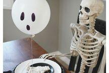 Halloween / Halloween : Holiday party ideas, snacks, treats, decor, & event inspiration