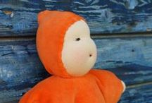 MUÑECAS WALDORF / Muñecas artesanales, de lana, algodón,lino, seda. http://www.hullitoys.com/buscar?orderby=position&orderway=desc&search_query=muñecas