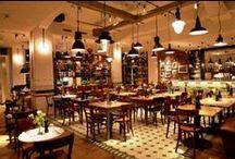 """Casa:1 Zementfliesen bei tialini / Schöner essen auf schönem Boden: Casa:1 Zementfliesen liegen in den Restaurants der Gastronomie-Kette """"tialini"""" im Eingangsbereich und/oder im Innenraum."""