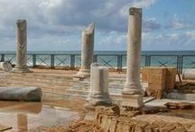 Must-See Roman Ruins & Monuments