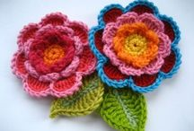 crochet: flowers and leaves