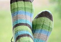 Knitting Patterns - Socks / Sock knitting patterns - both paid and free downloads... because designers deserve to be paid, too!