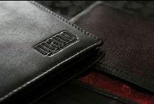 Mano - PLANUS / Planus, lat. eben, flach: Mano´s flachste Börsen der Welt! Leder pur, in seiner reinsten Form: schlank, fein mit seidenmatten Glanz. Einfach, zeitlos & elegant.  Diese außergewöhnliche Serie wurde aus hochwertigem Kalbnappa gefertigt.  Weitere Infos finden Sie auch auf unserer Webseite: www.mano1919.de