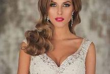 Hochzeit Make Up | Beautykaufhaus / Die Hochzeit wird immer als der schönste Tag im Leben bezeichnet & die Braut möchte alle Gäste überstrahlen. Egal ob Du dein Make Up eher klassisch dezent oder dramatisch bevorzugst, Hauptsache Du fühlst dich schön. Hier findest Du für deine Hochzeits- und Braut Make Up viele Inspirationen.